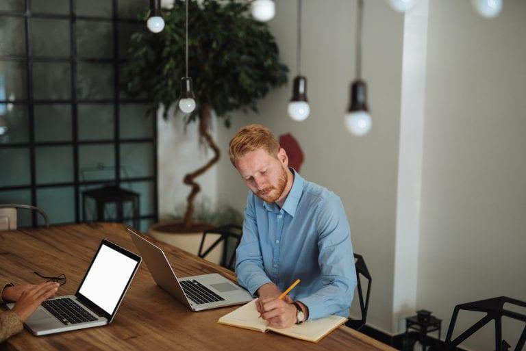 Empfehlungsschreiben: Aufbau, Tipps und Vorlage