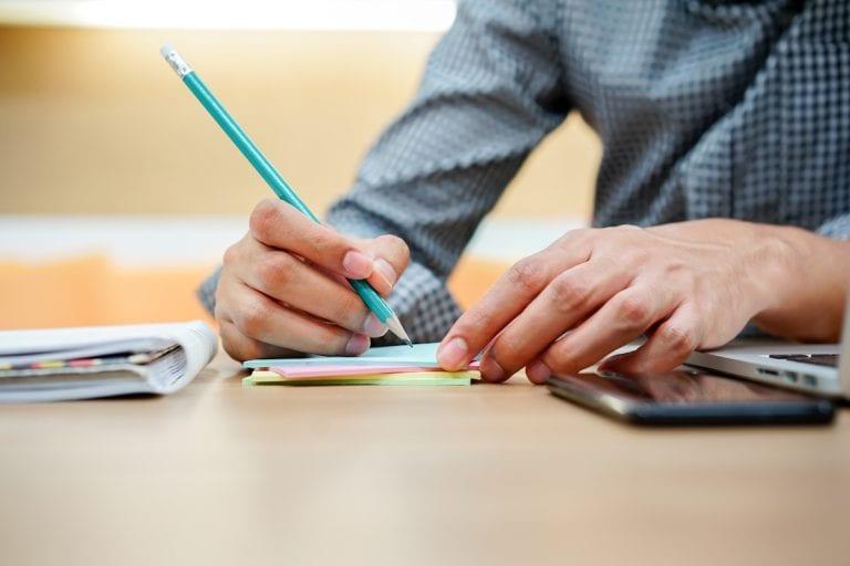 Kündigung schreiben – Vorlagen und Tipps vom Profi