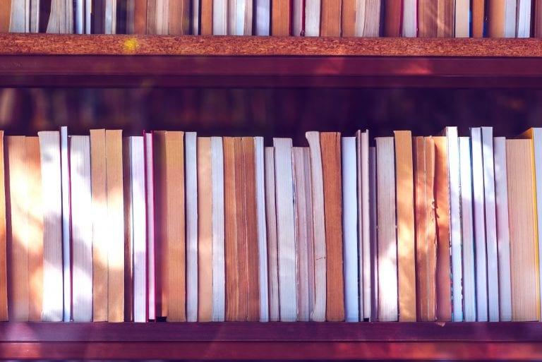 APA Literaturverzeichnis – Richtlinien, Aufbau und Beispiele